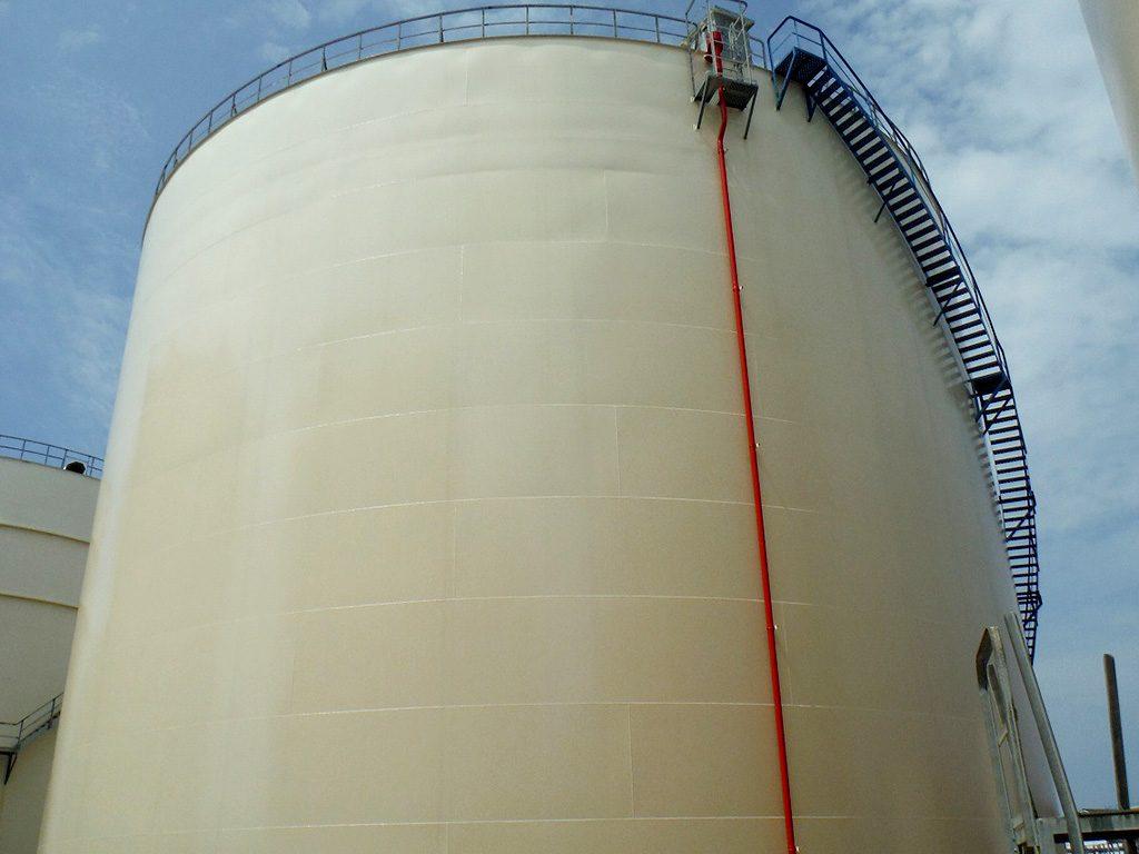 石油タンク